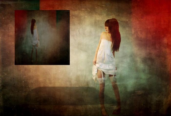 Image: Titled Art Reflecting